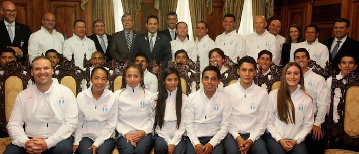 foto-2-delegacion-guatemalteca-juramentada-rio-2016